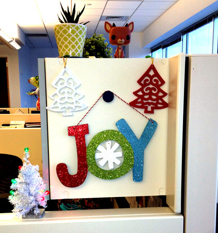 Cubicle decorations